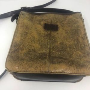 Vtg Relic Paisley Embossed Tooled Leather Purse